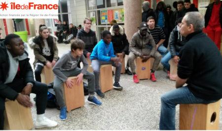 Les CAP Bois ont donné un mini-Concert de Cajón au lycée