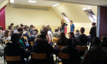 Du théâtre-forum, une méthode originale pour parler de harcèlement scolaire.