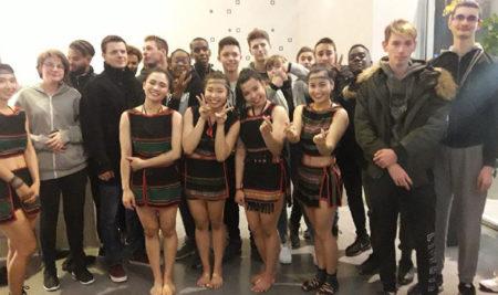 Spectacle «Teh Dar : nouveau cirque du Vietnam» au Théâtre de Sénart