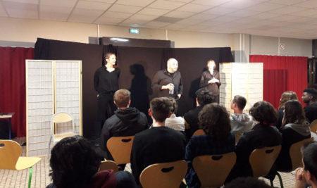 Théâtre forum sur les relations filles/garçons